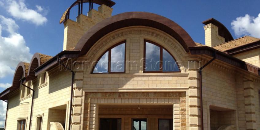 Плюсы облицовки фасада дома ракушечником
